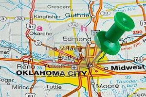 pushpin-oklahoma-city-map-highlighted-green-push-pin-atlas-33921619(1)