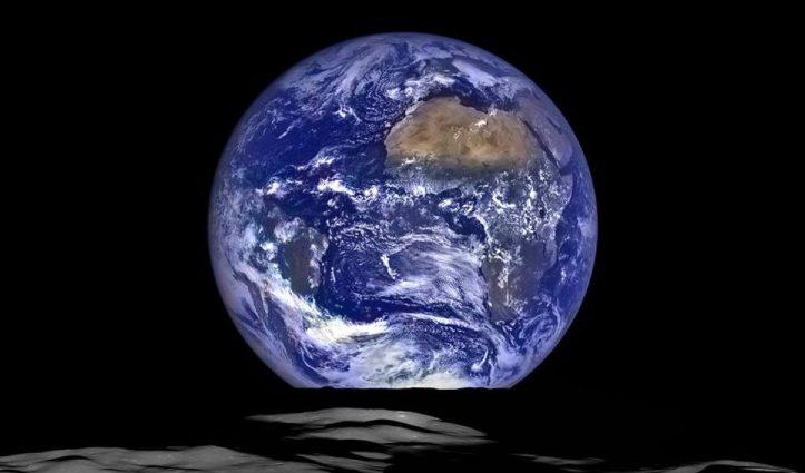 cropped-earthrise-2015.jpg